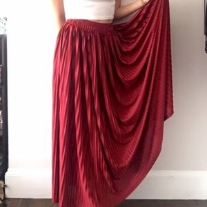long american apparel accordion pleat skirt